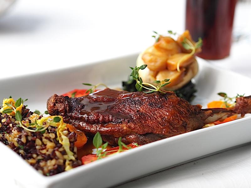 Lacivert Restaurant  Çıtır Derili Ördek Budu