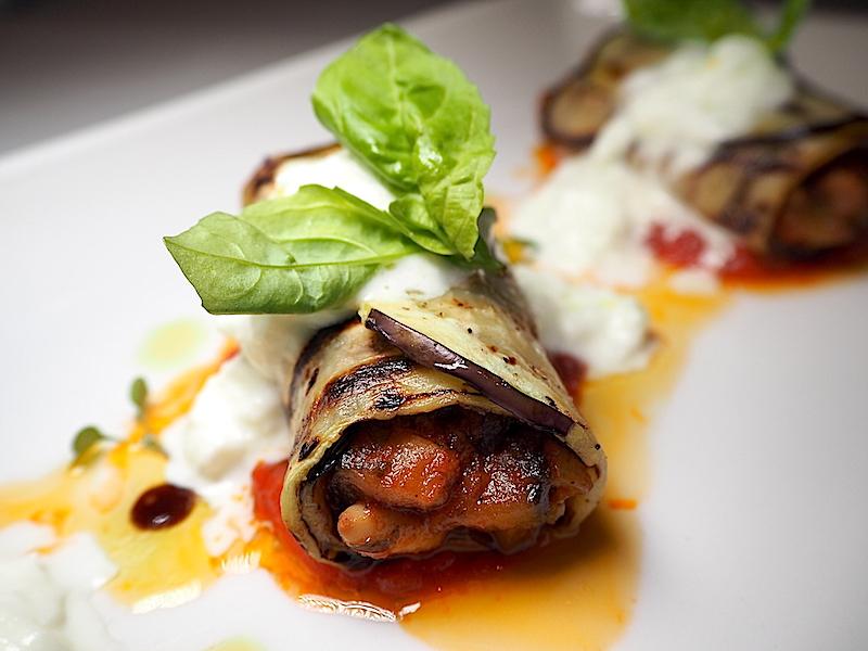 Gina Restaurant - Patlıcana Sarılmış Karışık Sote Sebzeler, Domates Sos, Burrata