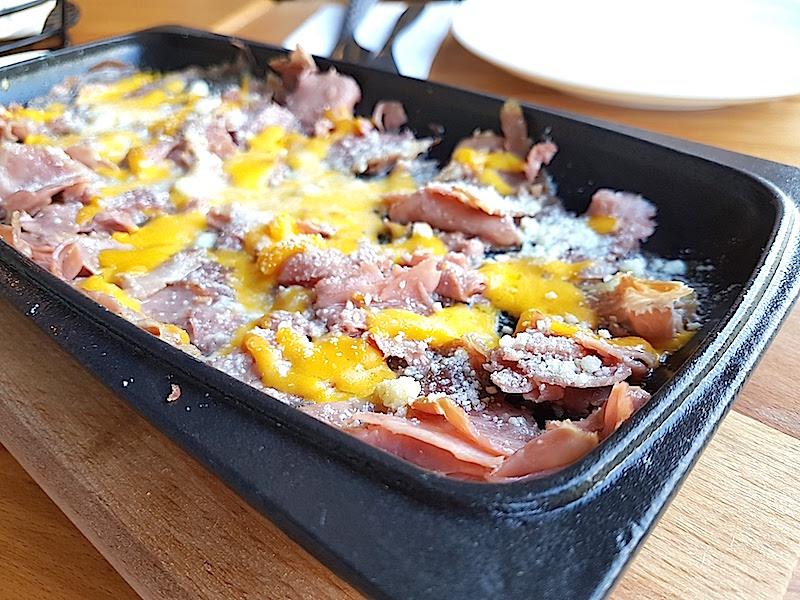 Mr. Meat Steakhouse Sıcak Füme Et