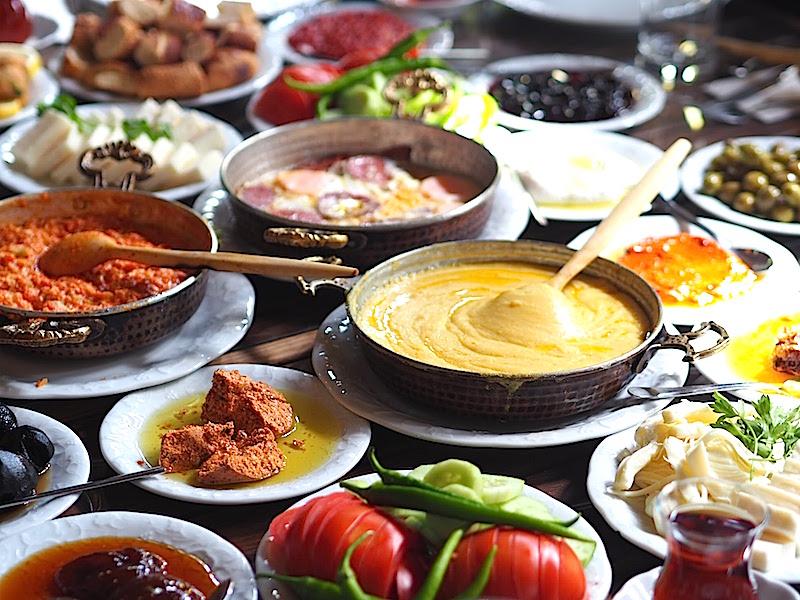 Maruf Kahvaltı & Unlu Mamüller - Serpme Kahvaltı