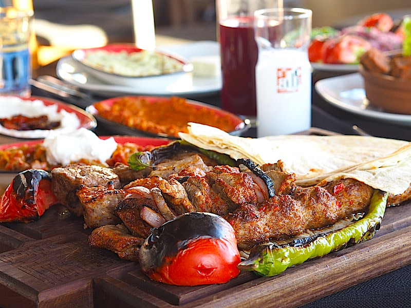Ali Ocakbaşı Ana Yemek Tabağı