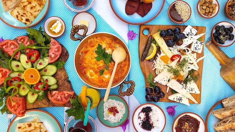 İstanbul'un En İyi Seprme Kahvaltıları - Çeşme Bazlama Kahvaltı