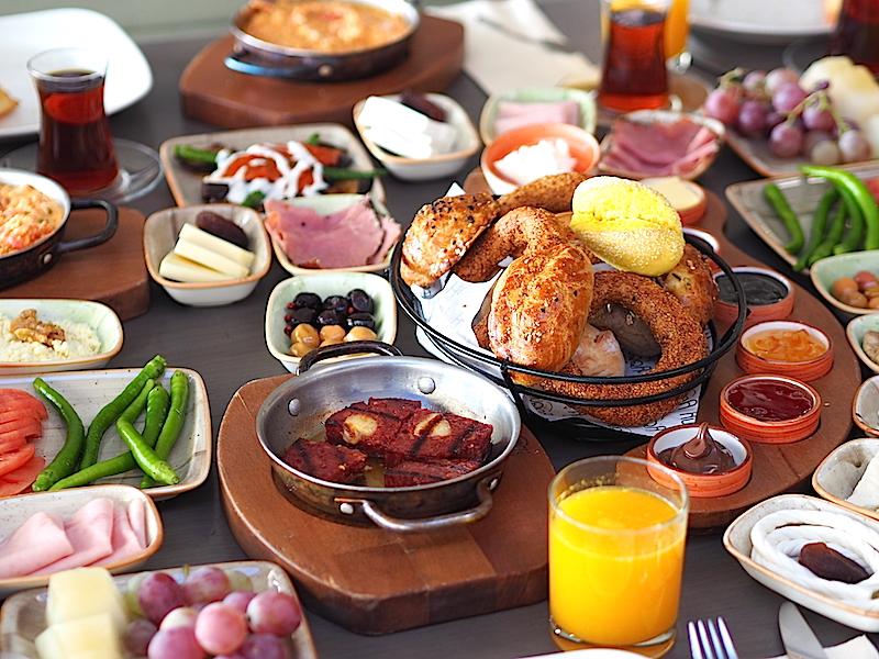 İstanbul'un En İyi Serpme Kahvaltıları - Huqqa